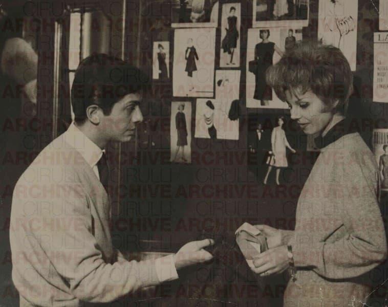 Valentino nella sua prima sartoria in via Condotti