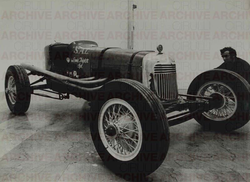 S.A.L. Ernie Triplett Special. Salvatore Scarpitta con una delle sue Race Cars