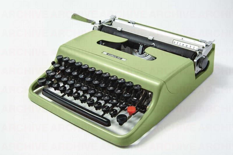 Macchina da scrivere portatile Lettera 22 Olivetti
