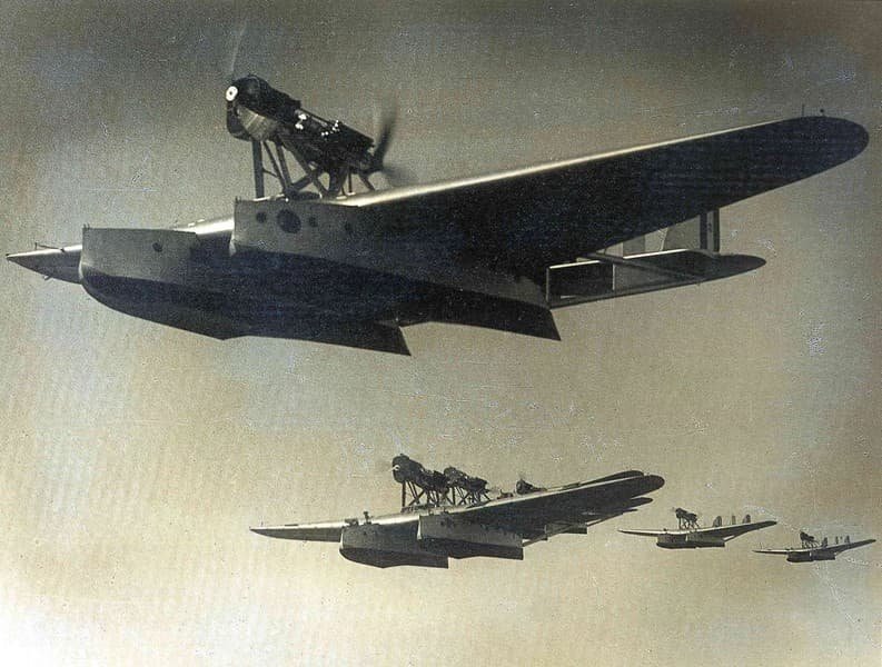 Crociera Aerea del Decennale  Formazione sull'Atlantico